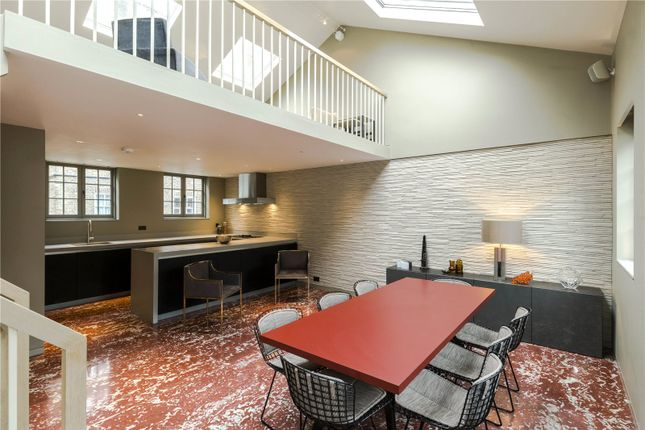 3 bed mews house for sale in Colville Mews, London
