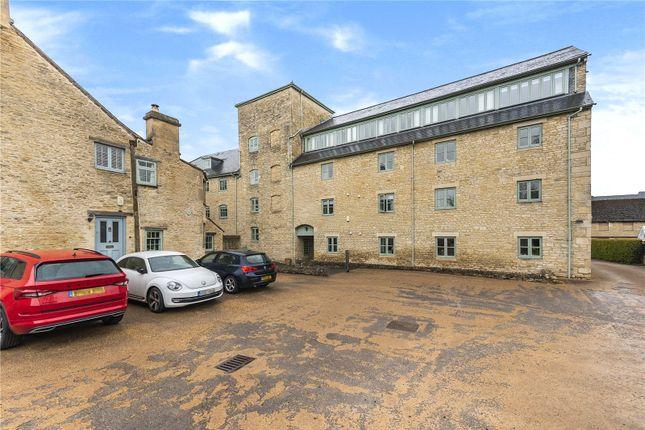 Thumbnail Flat to rent in Lewis Lane, Cirencester