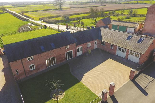 Thumbnail Barn conversion for sale in Frolesworth Road, Broughton Astley, Leicester