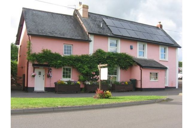 Detached house for sale in Shillingford, Tiverton