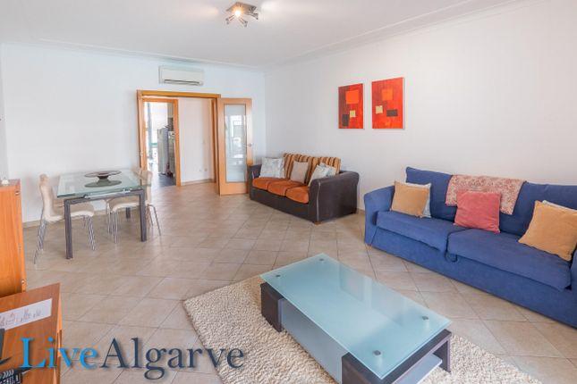 Beautiful T2 Apartment In Meia Praia, Lagos