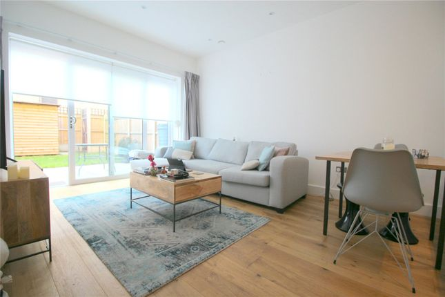 Thumbnail Terraced house to rent in Providence Place, London