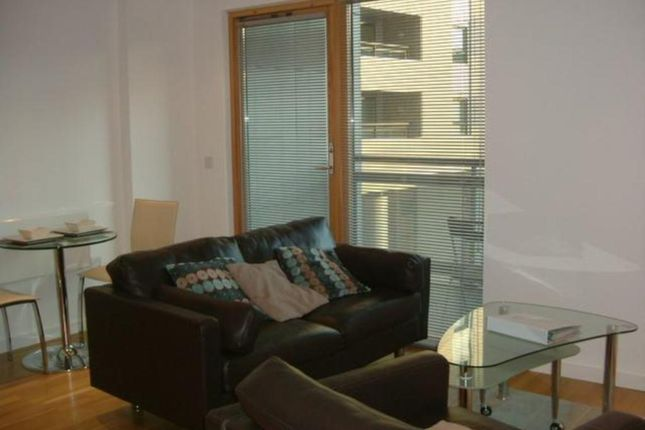 Thumbnail Flat to rent in The Gateway North, Crown Point Road, Leeds
