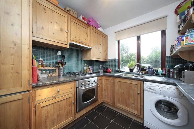 Thumbnail Flat to rent in Cavendish Road, Clapham South, London