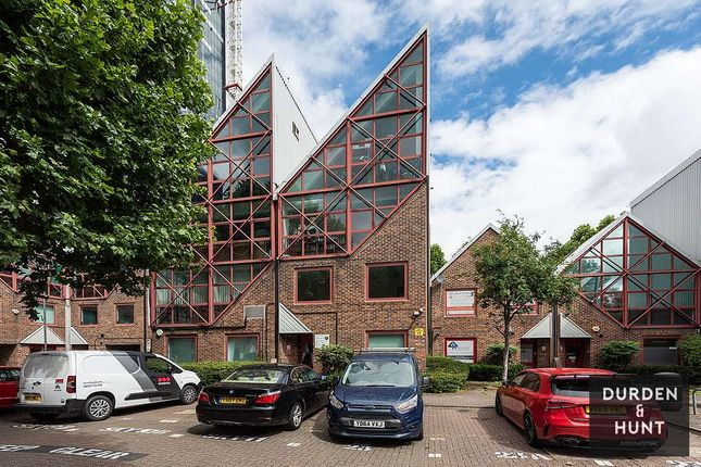 Thumbnail Office to let in Skylines Villages, Canary Wharf