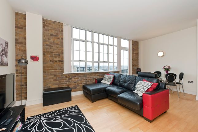 Thumbnail Flat for sale in Peckham Grove, Peckham