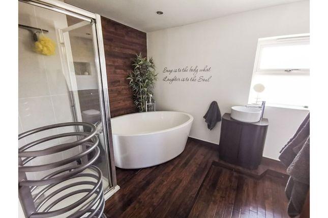 Bathroom of Botley Road, Sholing, Southampton SO19