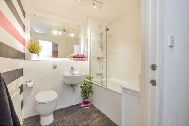 Bathroom of East Pilton Farm Avenue, Pilton, Edinburgh EH5
