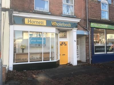 Retail premises to let in 48 Midland Road, Wellingborough, Northamptonshire