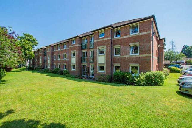 Thumbnail Flat for sale in Mumbles Bay Court, Swansea