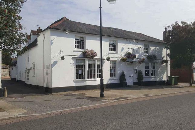 Thumbnail Hotel/guest house to let in Heroncrest, Dragon Street, Petersfield