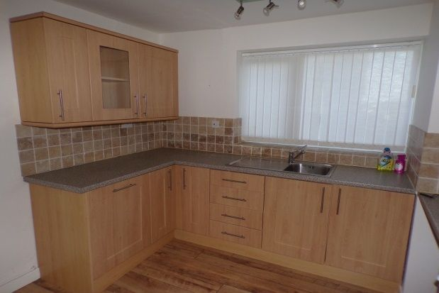 Thumbnail Flat to rent in Severn Road, Colwyn Bay