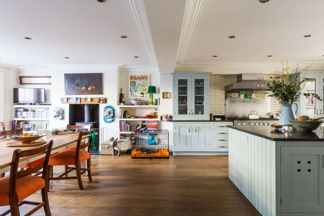 Thumbnail Town house to rent in Fitzwilliam Road, London