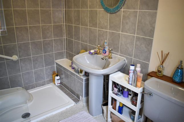 Shower Room of St. Michaels Road, Northampton NN1