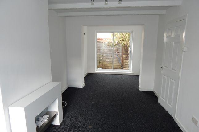 Thumbnail Semi-detached house to rent in Chapel Avenue, Dewsbury