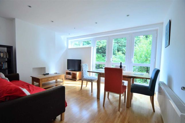 Thumbnail Flat to rent in Tildesley Road, Putney Heath