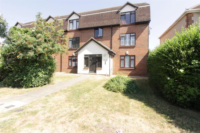 Thumbnail Flat for sale in High Road, Benfleet