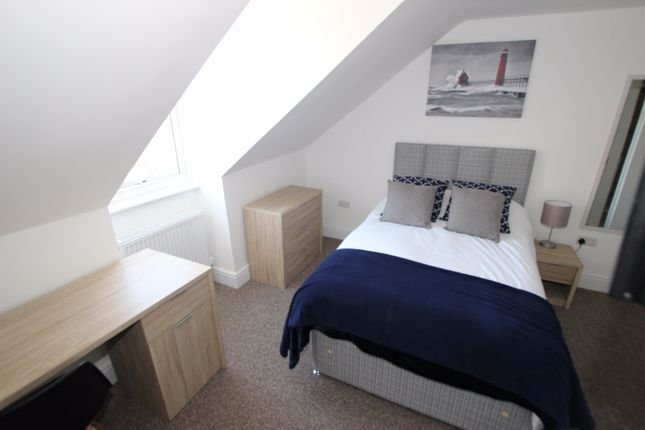 Room to rent in Dorothy Street, Reading