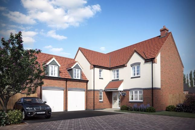 4 bed detached house for sale in Lewis Road, Handsacre, Rugeley WS15