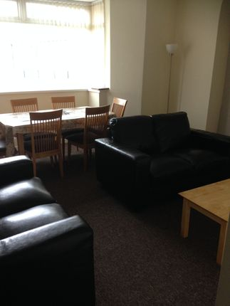 Thumbnail Shared accommodation to rent in Phillips Parade, Swansea