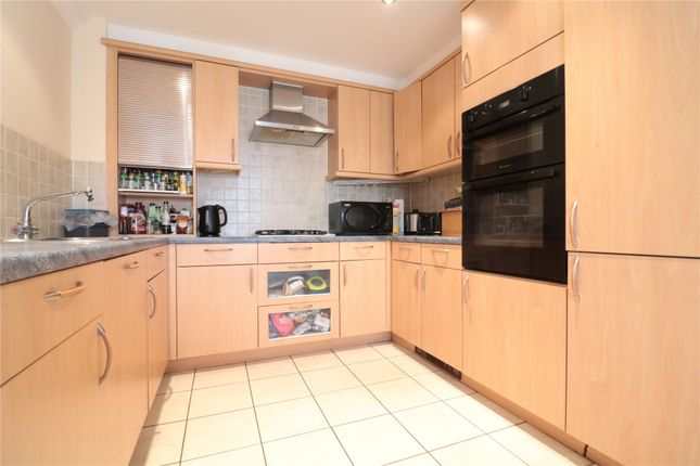 Thumbnail Town house to rent in Turners Avenue, Fleet, Hampshire
