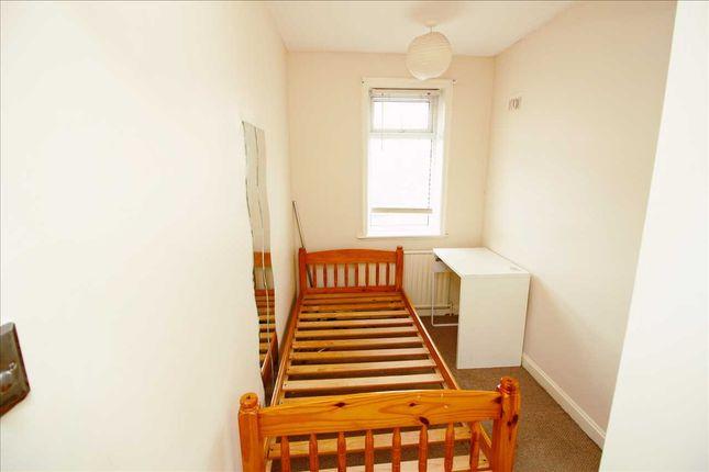 Bedroom 3 of Lodore Gardens, Kingsbury NW9