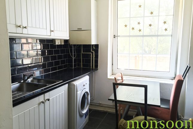 4 bed flat to rent in Peckwater Street, London