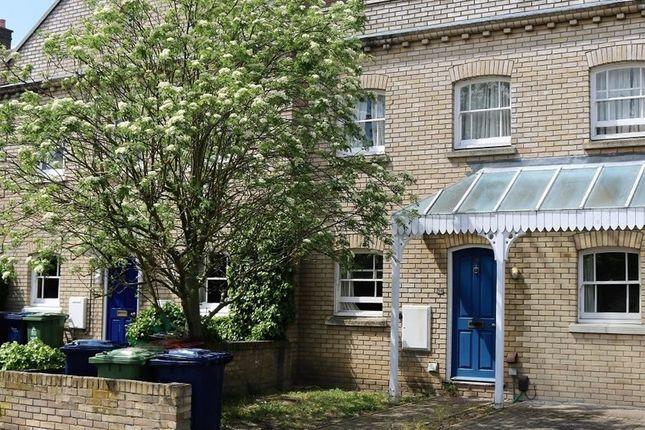 Thumbnail Shared accommodation to rent in 38 Pakenham, Cambridge