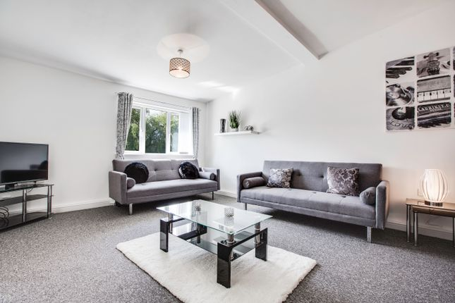 Thumbnail Flat to rent in St Albans Avenue, Ashton-Under-Lyne