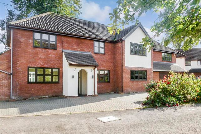 Thumbnail Detached house for sale in Glendale Close, Shenfield, Brentwood, Essex