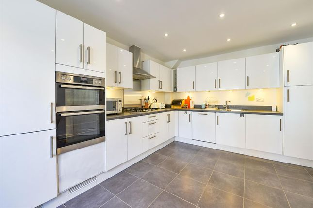 Thumbnail Link-detached house for sale in Langmore Lane, Lindfield, Haywards Heath