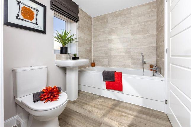 "Family Bathroom of ""Abingdon"" at Cricket Field Grove, Crowthorne RG45"