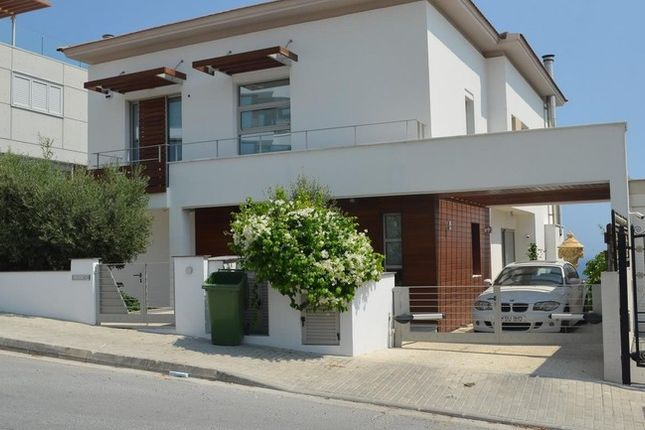 Villa for sale in Agios Tychonas, Cyprus