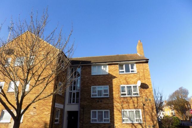 Thumbnail Flat to rent in Kings Road, Southsea