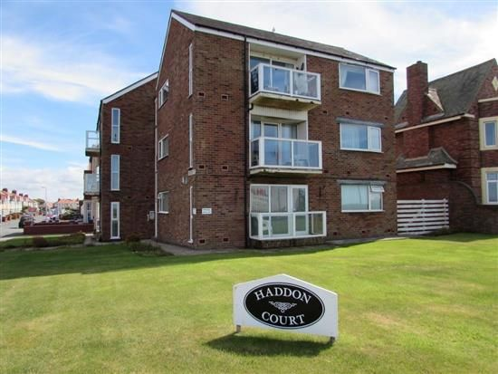Thumbnail Flat to rent in Queens Promenade, Blackpool