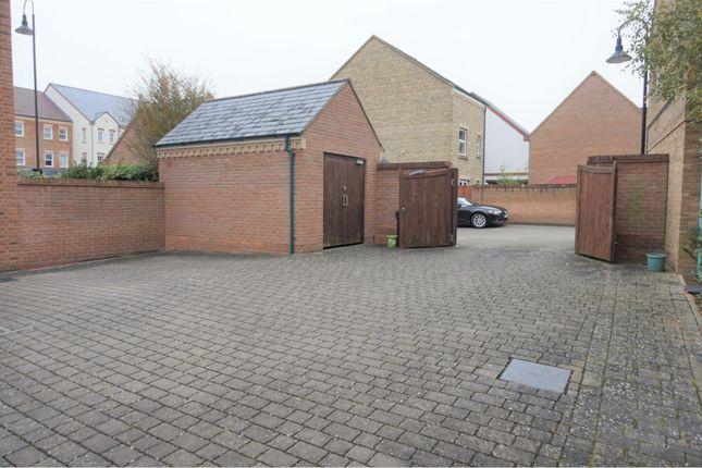 Gated Entrance of Rylane, Swindon SN1