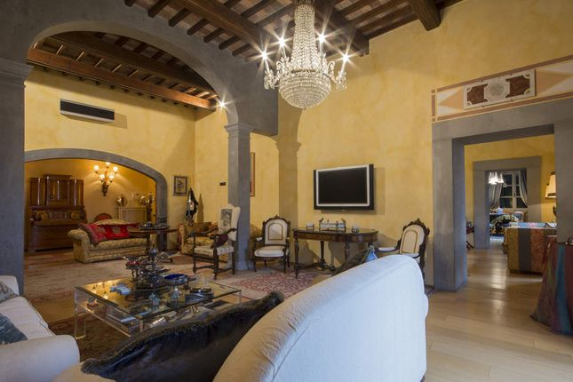 4 bed apartment for sale in Pisa Pisa, Italy