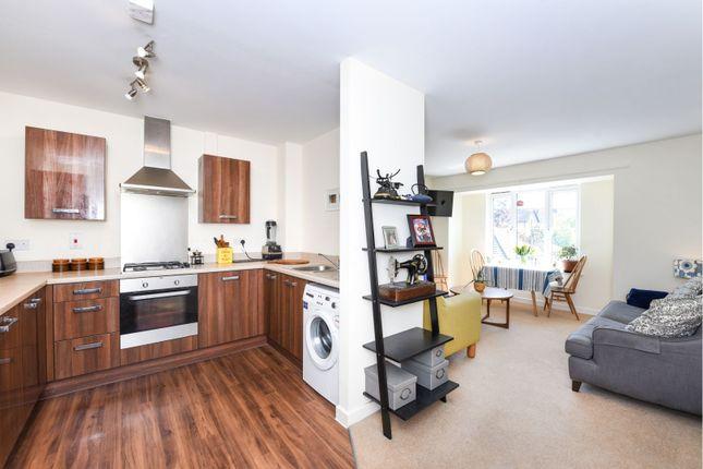 Lounge / Kitchen of Aldenham Road, Bushey WD23
