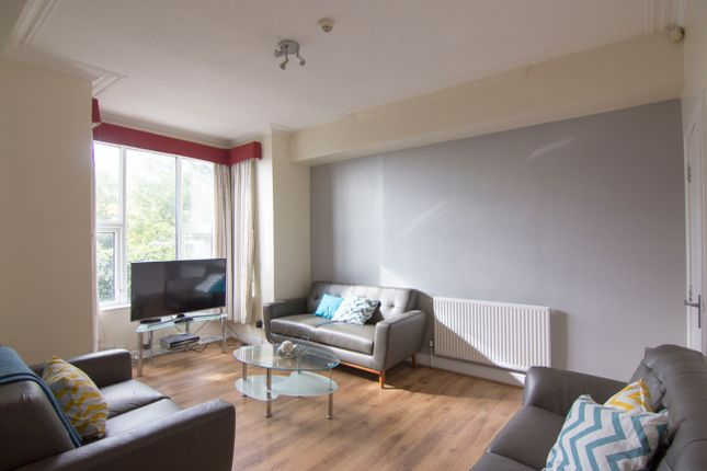 7 bed property to rent in Stanmore Place, Burley, Leeds