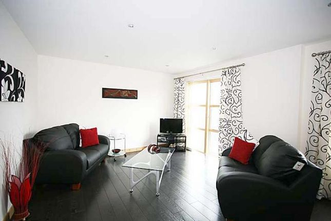 2 bed flat to rent in Willowbank Road, Aberdeen