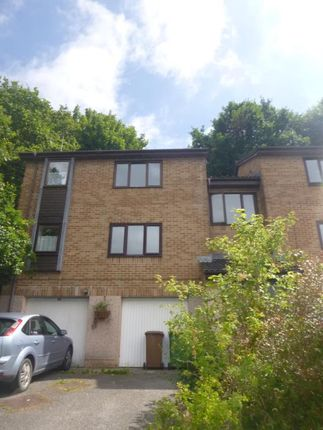 Thumbnail Flat to rent in Broom Park, Plymouth