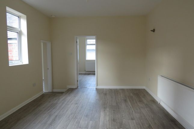 2 bed flat to rent in Hardy Street, Worksop S80