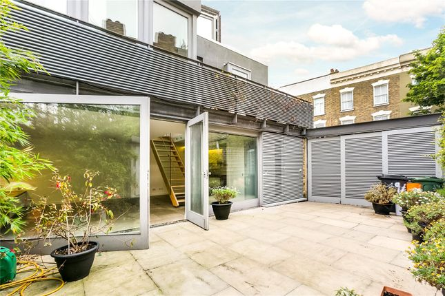 Thumbnail Property to rent in Pulross Road, London