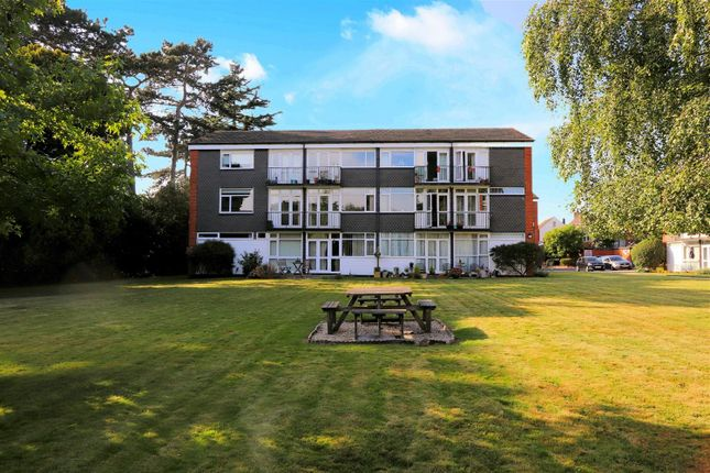 3 bed flat for sale in Hartland Road, Epping CM16