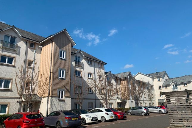 2 bed flat to rent in Chandlers Court, Stirling Town, Stirling FK81Nr FK8