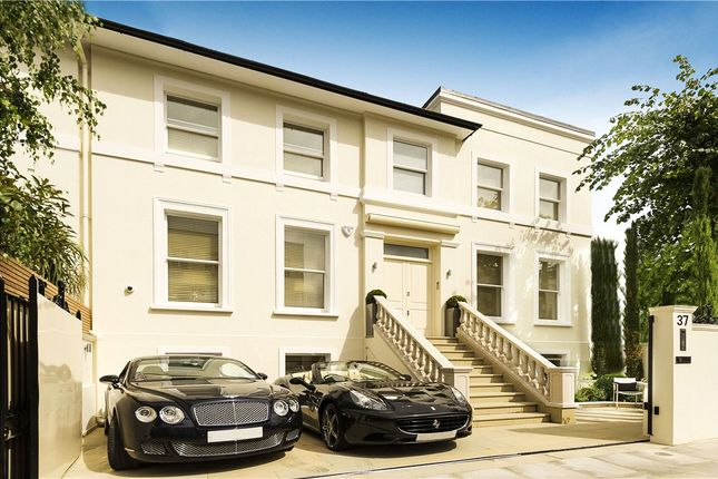 Thumbnail Terraced house for sale in Victoria Road, Kensington, London