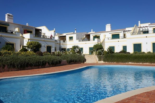 Town house for sale in Lagoa E Carvoeiro, Lagoa E Carvoeiro, Lagoa (Algarve)