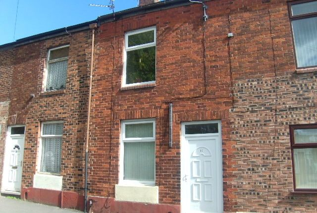 Thumbnail Terraced house for sale in Old Road, Hyde