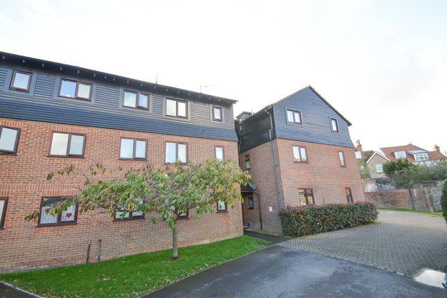 1 bed flat for sale in Mill Road, Eastbourne BN21