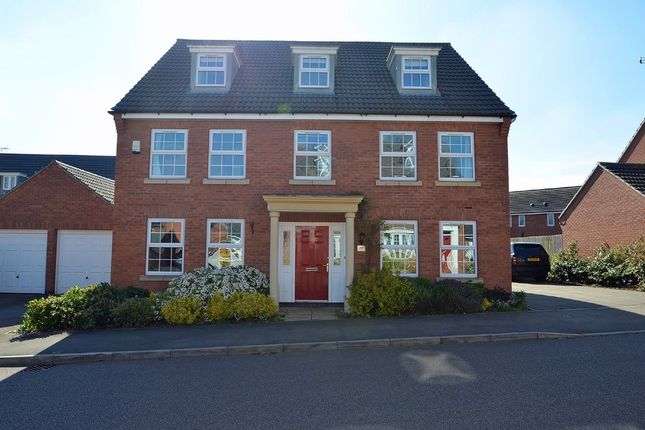 Thumbnail Town house for sale in Crackthorne Drive, Coton Meadows, Rugby